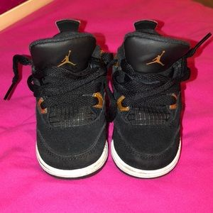 Black&gold Jordans worn but in great condition